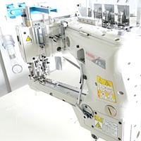 フラットシーマと縫製工場設備